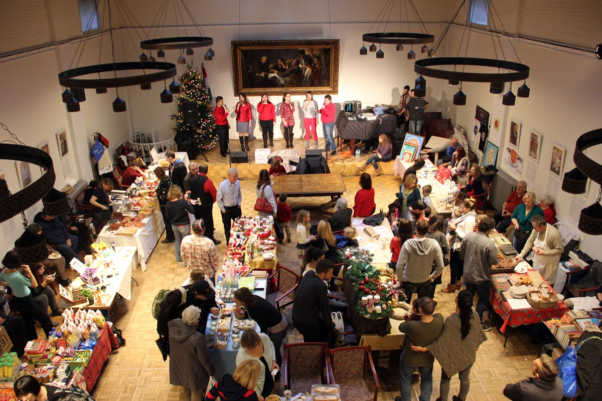 Christmas Fair Was Succesful in Hungarian House | hungarian-house